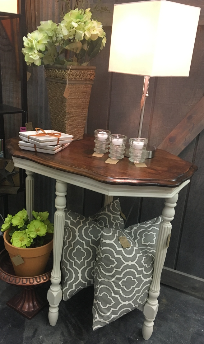 Garage Sale table2